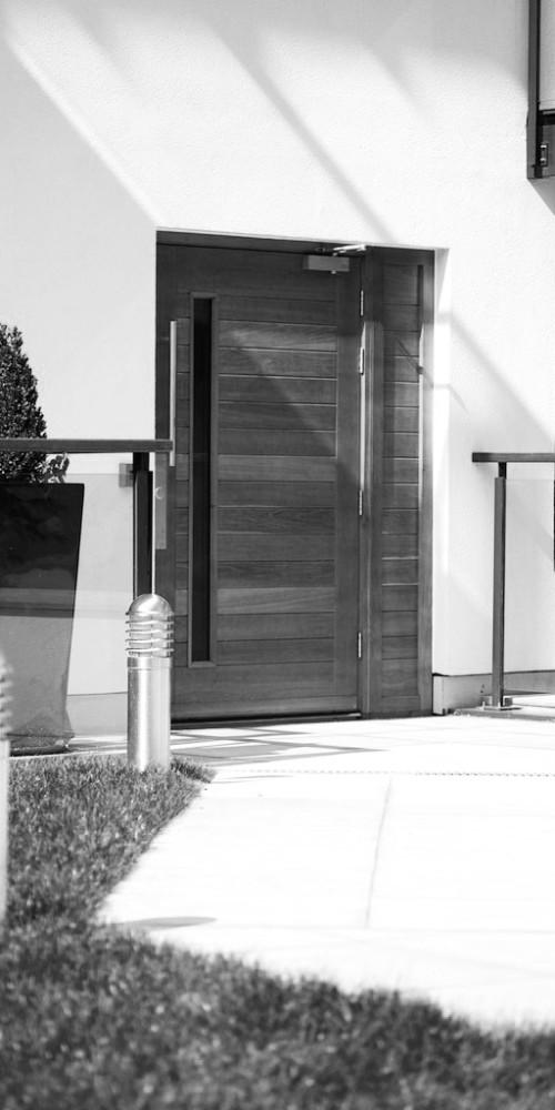 Exterior_Entrance_Sample